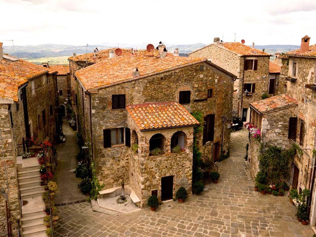 Montemerano, il borgo a forma di cuore